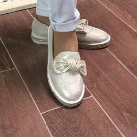 sneakers doradas