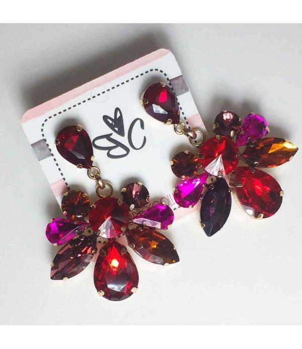7f13b7e40b37 Pendientes largos multicolor con piedras brillantes