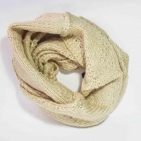 Cuello de lana beige