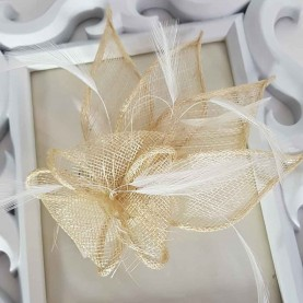 Tocado de boda beige Camila