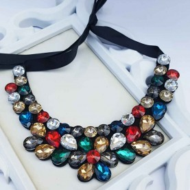 Collar Piedras Multicolor Queen