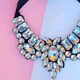 Short cristal neck lace