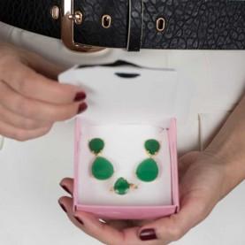 Pendientes y anillo verde invitadas
